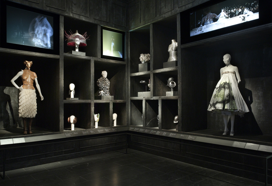About The Exhibition Alexander McQueen Savage Beauty