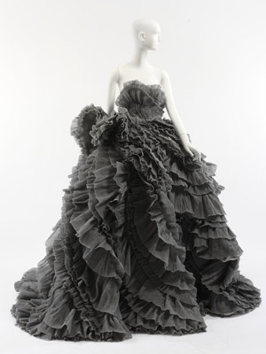 blog.mode: addressing fashion | Olivier Theyskens | The Metropolitan Museum of Art, New York from blog.metmuseum.org