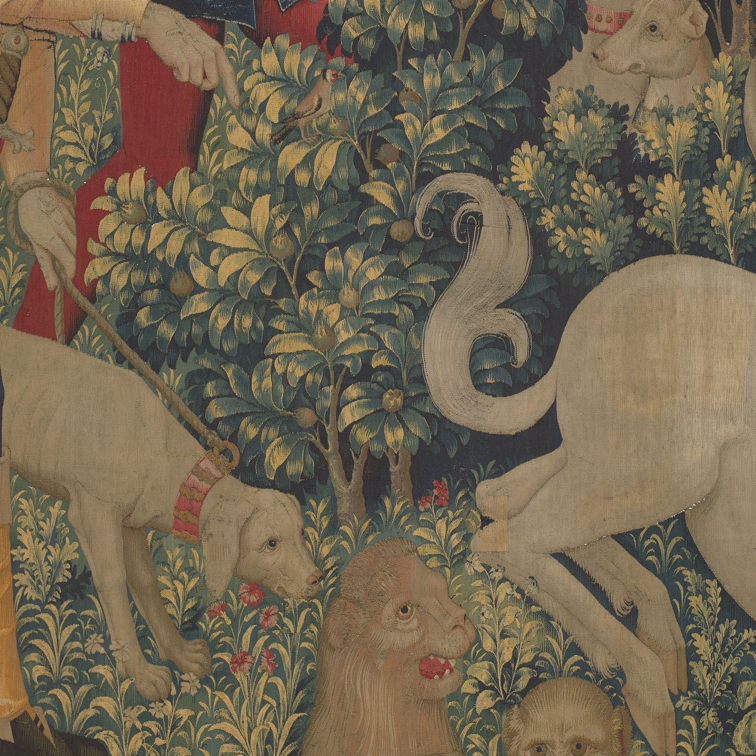 Medlar tree in the tapestry <em>The Unicorn is Found</em>
