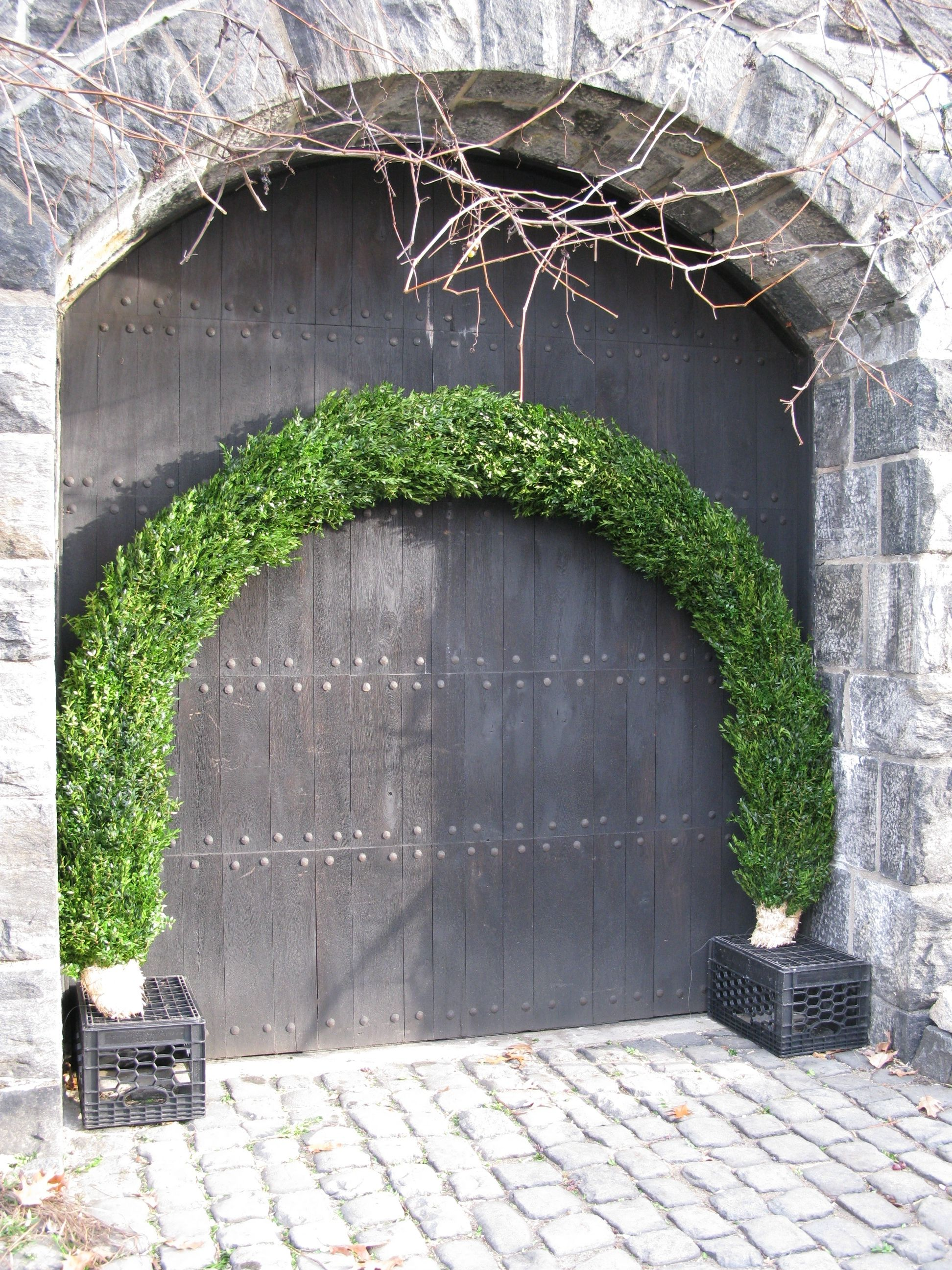 Boxwood-covered form for the Main Hall arches