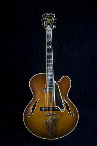 New Yorker Deluxe model (serial number 1055)
