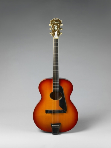Oval Hole New Yorker Special model (serial number 1090)