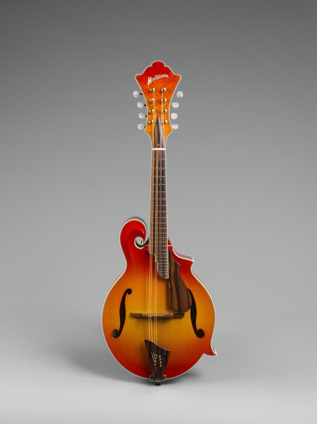 Archtop Mandolin Grand Artist Deluxe model 2002